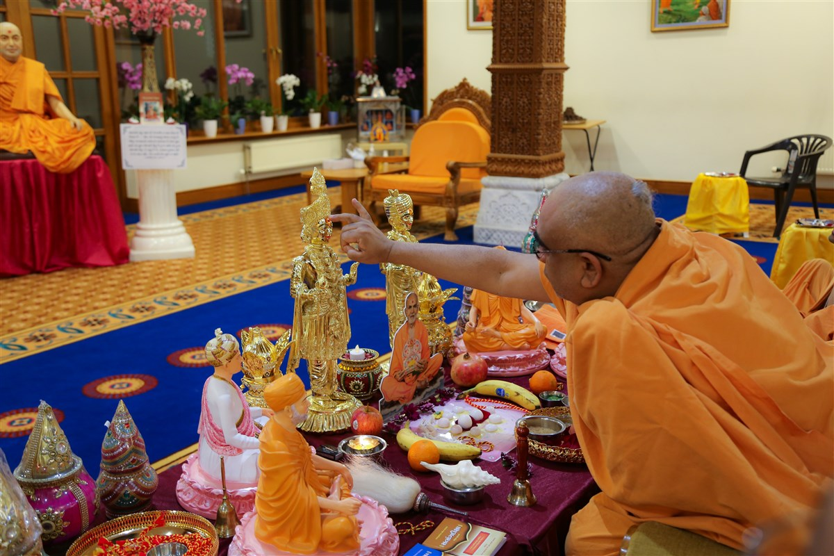 Murti Pratishtha Celebrations at London Mandir