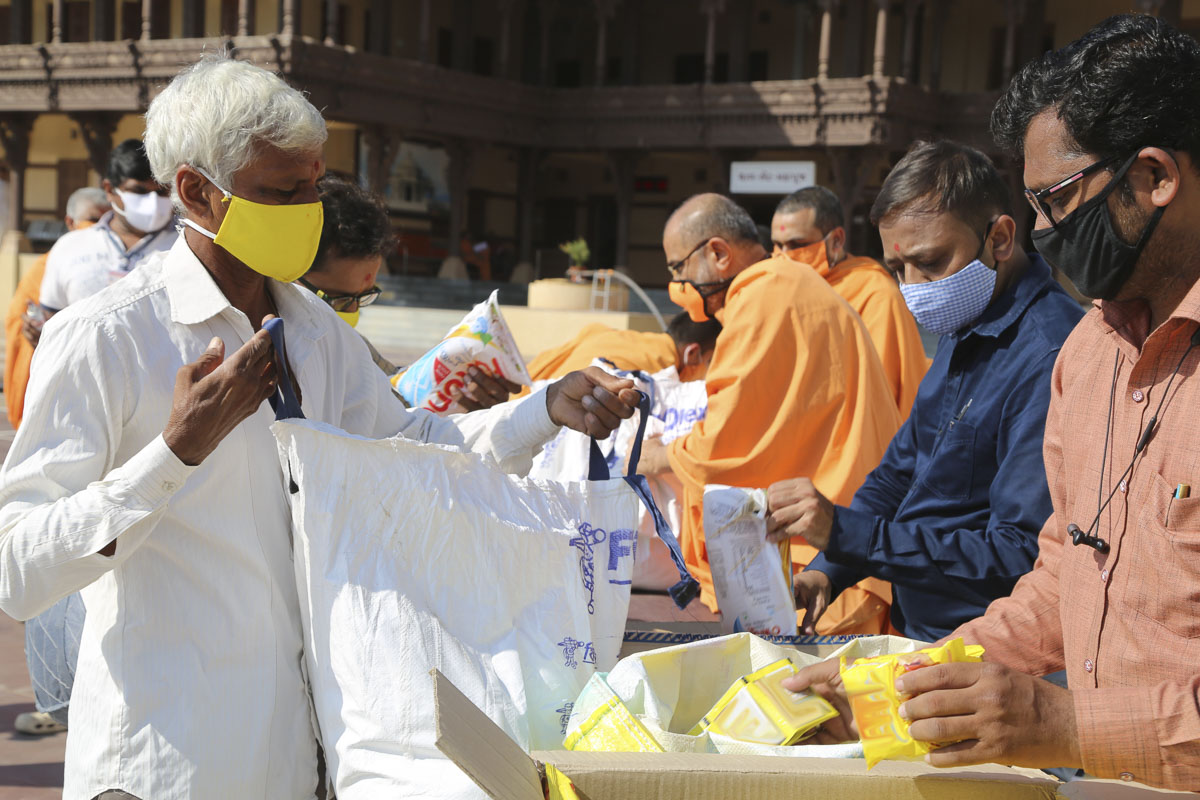 BAPS Community Services During the Coronavirus Lockdown, Sarangpur