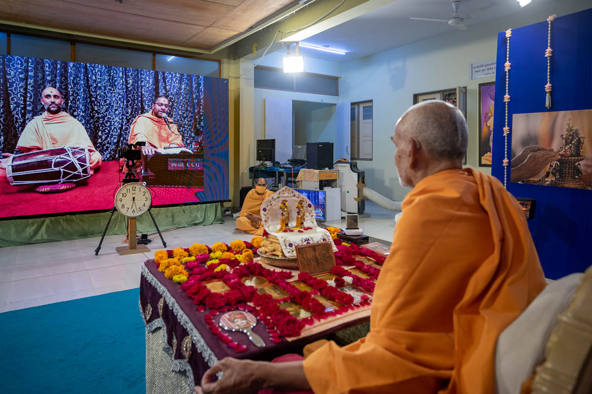 Sadhus sing kirtans via video conference from Brisbane Mandir