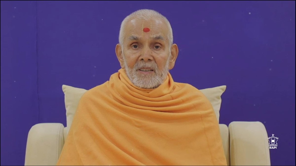 Mahant Swami Maharaj blessed the volunteers in a special address, in which he reiterated the spiritual basis of selfless service with devotion, humility and unity
