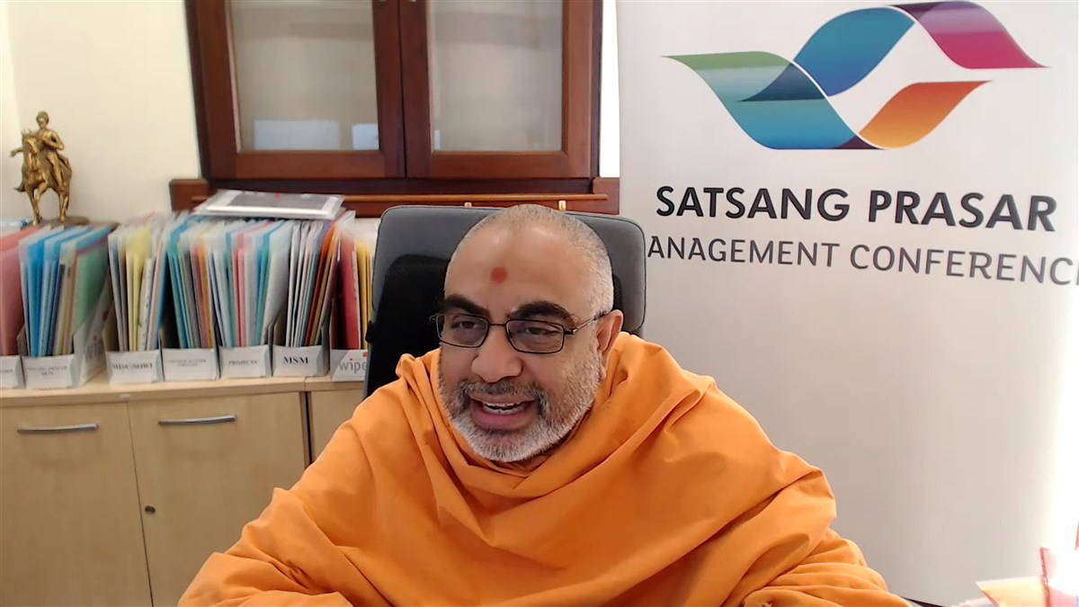 Yogvivekdas Swami concluded the conference with a message of introspection, appreciation and motivation