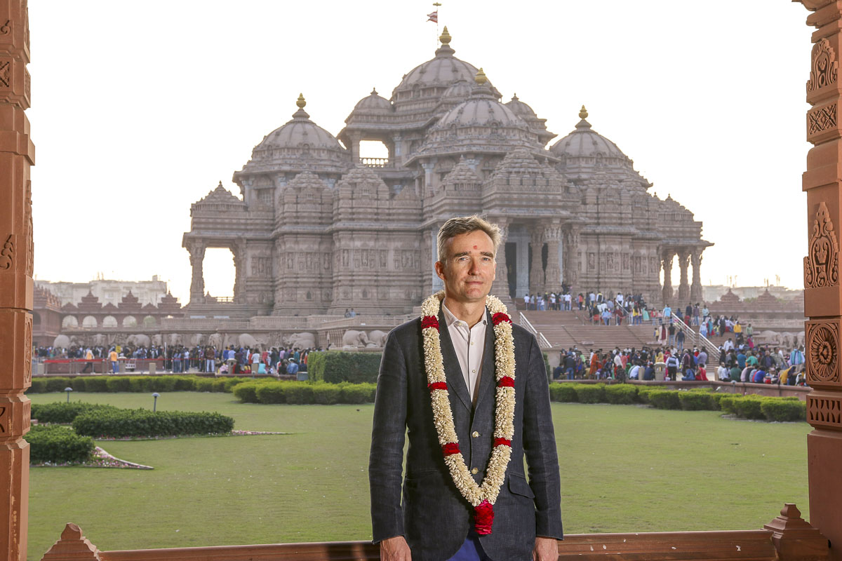 UK's Newly Appointed High Commissioner Visits Swaminarayan Akshardham