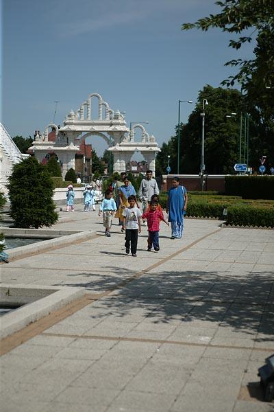 The Annual Sponsored Walk at BAPS Shri Swaminarayan Mandir, London