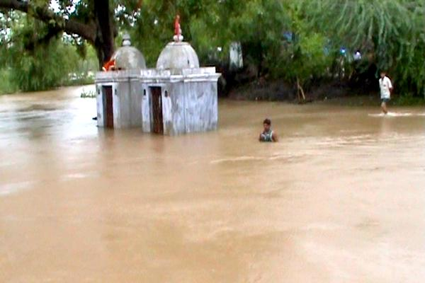 Widespread damage caused by recent floods,Khadodhi