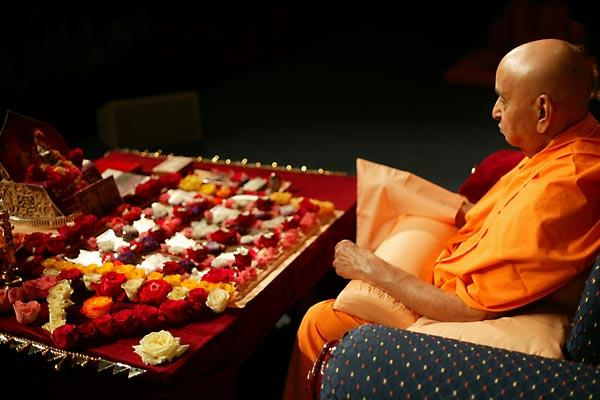 Day 2 - National Family Shibir 2004  - Swamishri performing puja