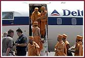 Pramukh Swami Maharaj Arrives in Toronto, July 12, 2004