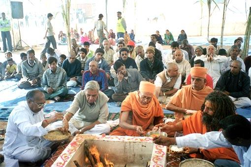 Peace Prayer and Yagna at Bhuj Relief Camp