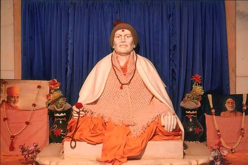 Murti of Shastriji Maharaj on his birth place