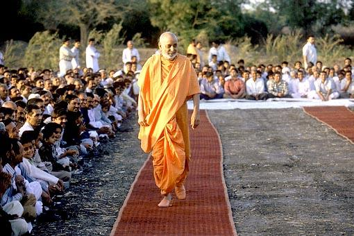 Swamishri during his morning walk