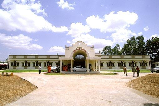 The modern, well equipped Pramukh Swami Hospital