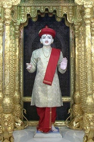 Lord Ghanshyam Maharaj in a beautiful attire