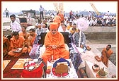 First Stone-Laying Ceremony of Akshardham, 2 July 2001