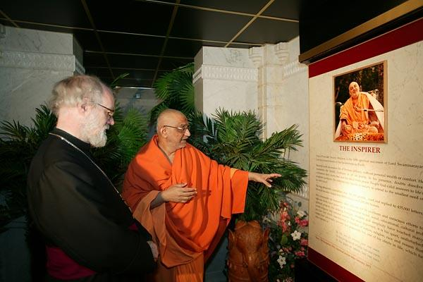 The Archbishop viewing the exhibition 'Understanding Hinduism'.