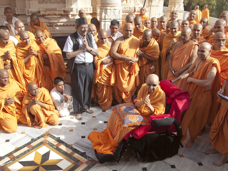 Swamishri in the Smruti Mandir pradakshina