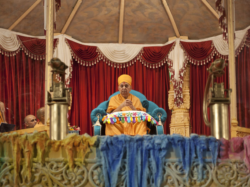 Swamishri during the festival assembly