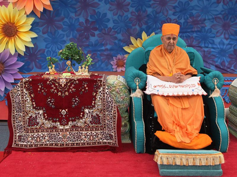 Swamishri during the diksha ceremony
