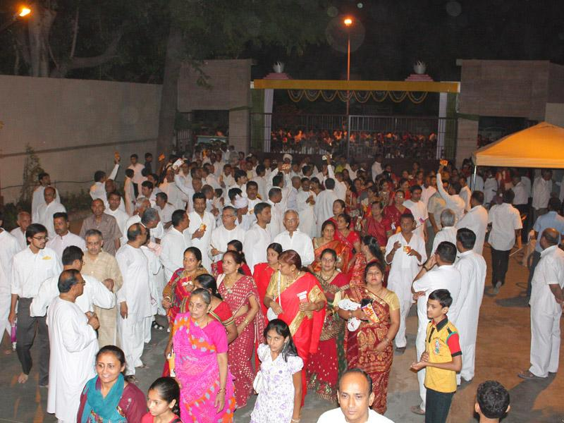 Devotees arrive for mahayagna