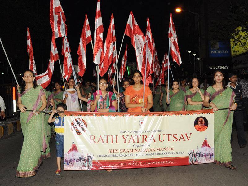 BAPS Ladies wing participate in the Rathyatra