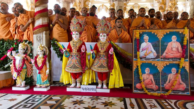 Murtis for the new BAPS Swaminarayan Mandir (Hari Mandir) at Palasana