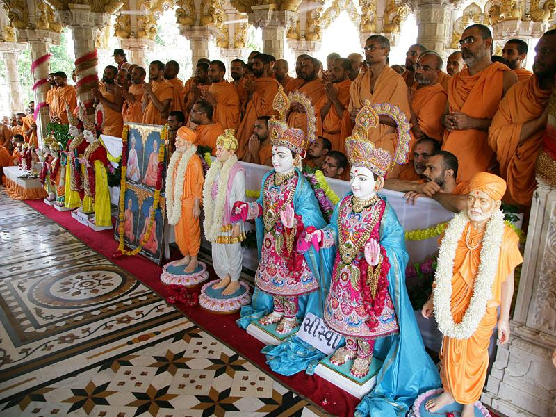 Murtis for the new BAPS Swaminarayan Mandir (Hari Mandir) at Siswa and Palasana