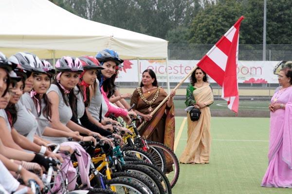 Leicester Kishori Mandal cycle over 600 miles for new BAPS Mandir in leicester -