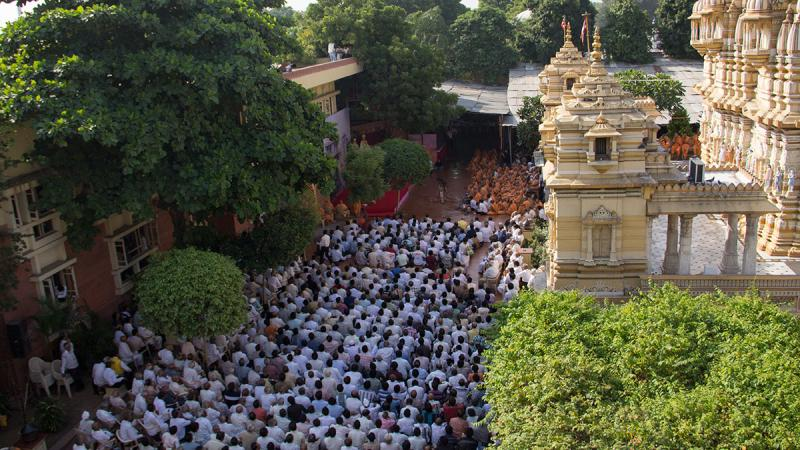 Devotees during Shastriji Maharaj Smruti Parva assembly