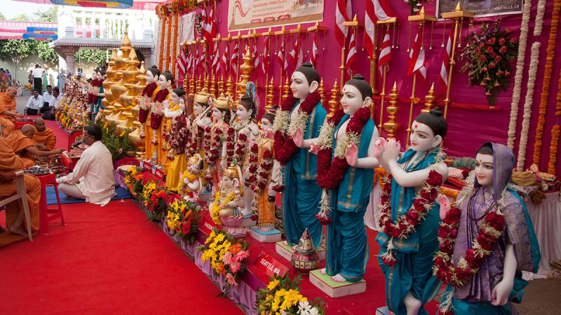 Murtis to be consecrated at various mandirs in USA