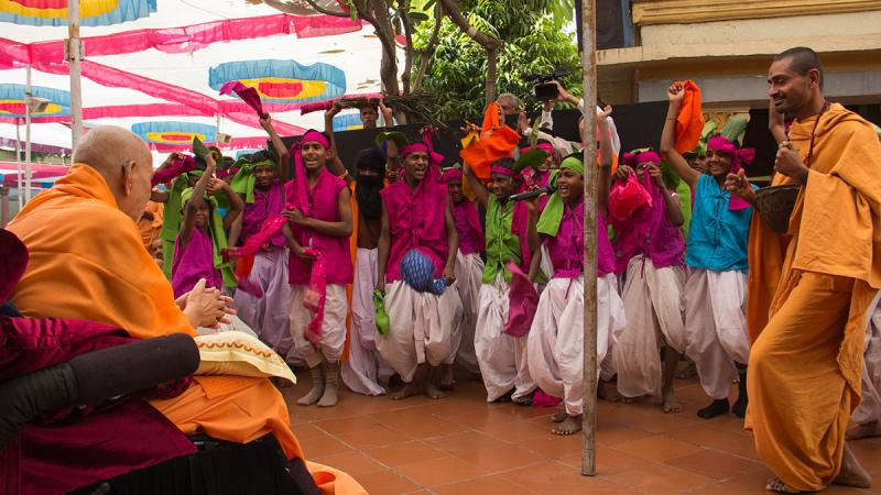 Satsangi tribal kids from Poshina rejoice before Swamishri