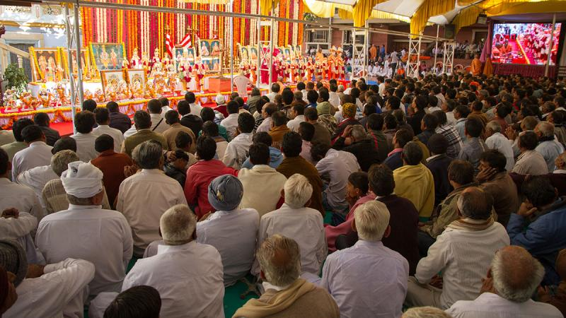 Devotees gathered for the murti-pratishtha mahapuja for various BAPS mandirs in India