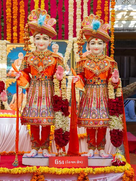 Murtis to be consecrated at BAPS Shri Swaminarayan Mandir at Uka, India