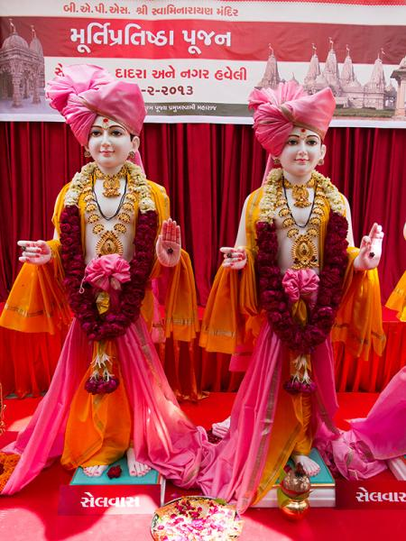 Shri Akshar-Purushottam Maharaj's murtis to be consecrated at BAPS Shri Swaminarayan Mandir at Selvas, India