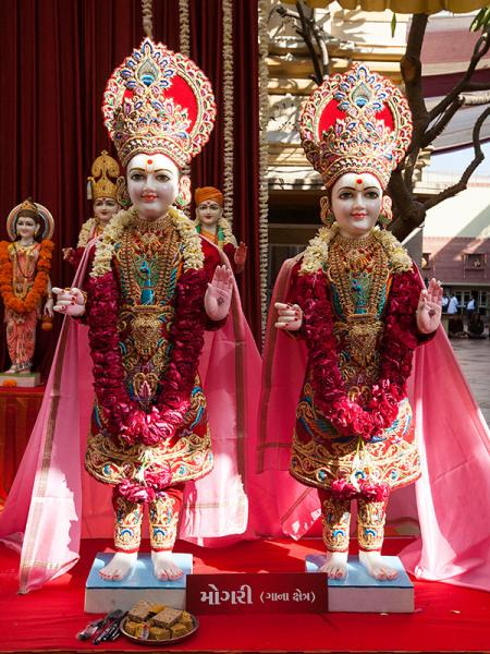 Shri Akshar-Purushottam Maharaj's murti to be consecrated at BAPS Shri Swaminarayan Mandir at Mogri, India
