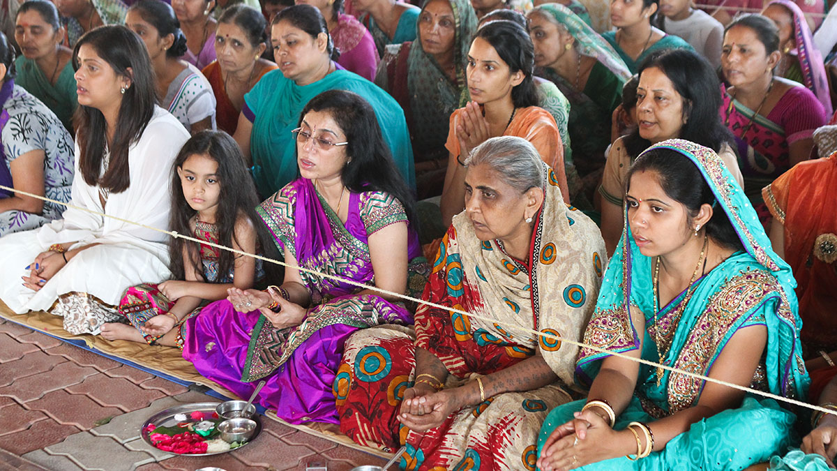 Mothers and relatives of the sadhaks participate in mahapuja rituals, before they are given bhagwati diksha