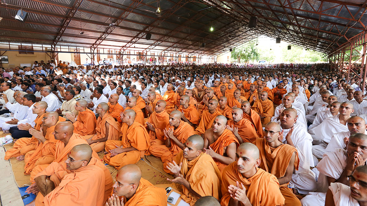 Sadhus and devotees during the assembly