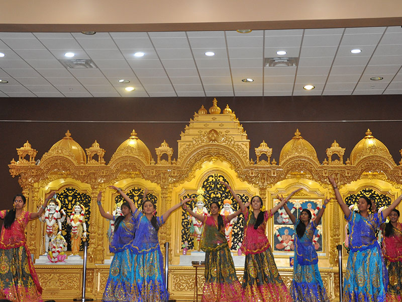 Pramukh Swami Maharaj 93rd Birthday, Mahila Celebrations 2013, Knoxville, TN