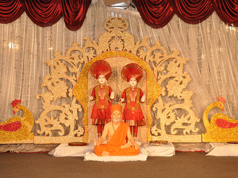 Pramukh Swami Maharaj's 93rd Birthday Celebrations 2013, Paris