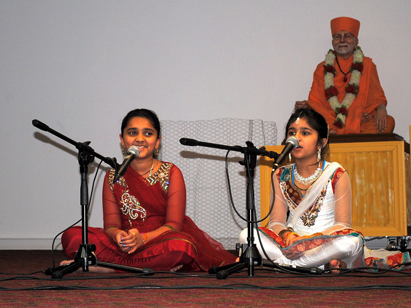 Pramukh Swami Maharaj 93rd Birthday, Mahila Celebrations 2013, Cherry Hill, NJ