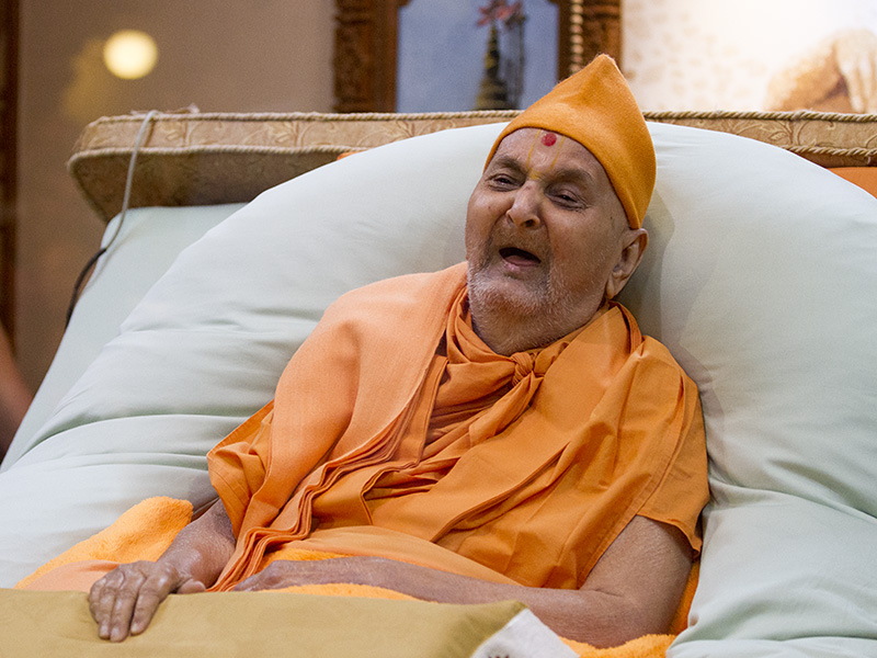 HH Pramukh Swami Maharaj in a divine, jovial mood in the evening