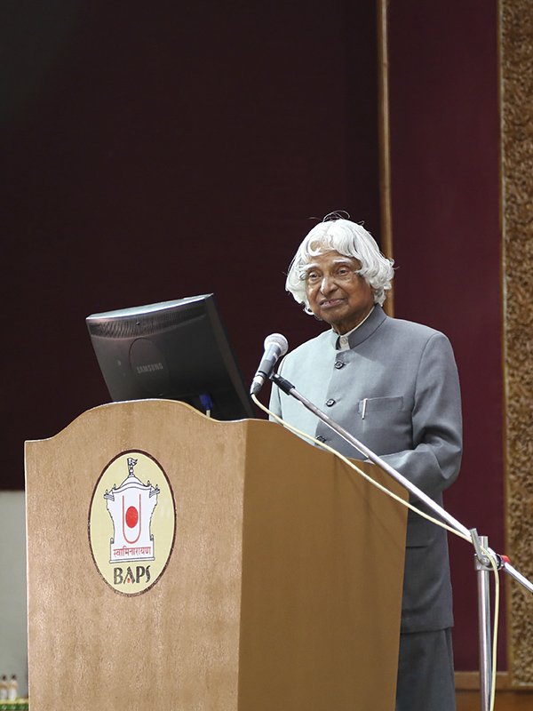 Dr. Kalam addresses the assembly