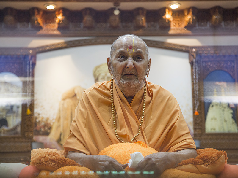 Swamishri in the afternoon