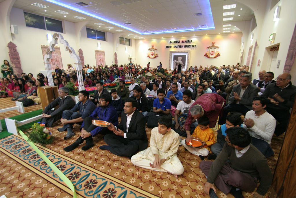 Diwali and Annakut Celebrations, Luton, UK