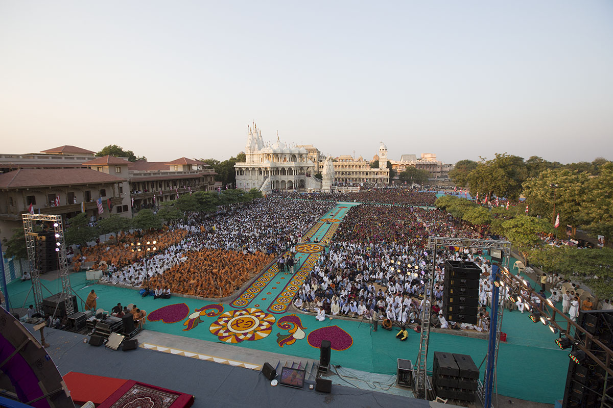 Sadhus and devotees during the Janma Jayanti assembly