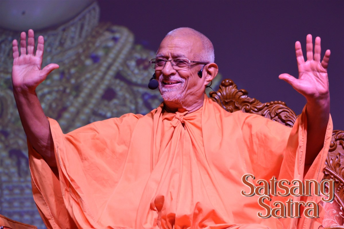 Satsang Satra in the presence of Sadguru Pujay Doctor Swami