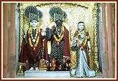Shri Harikrishna Maharaj and Shri Gopinath Dev