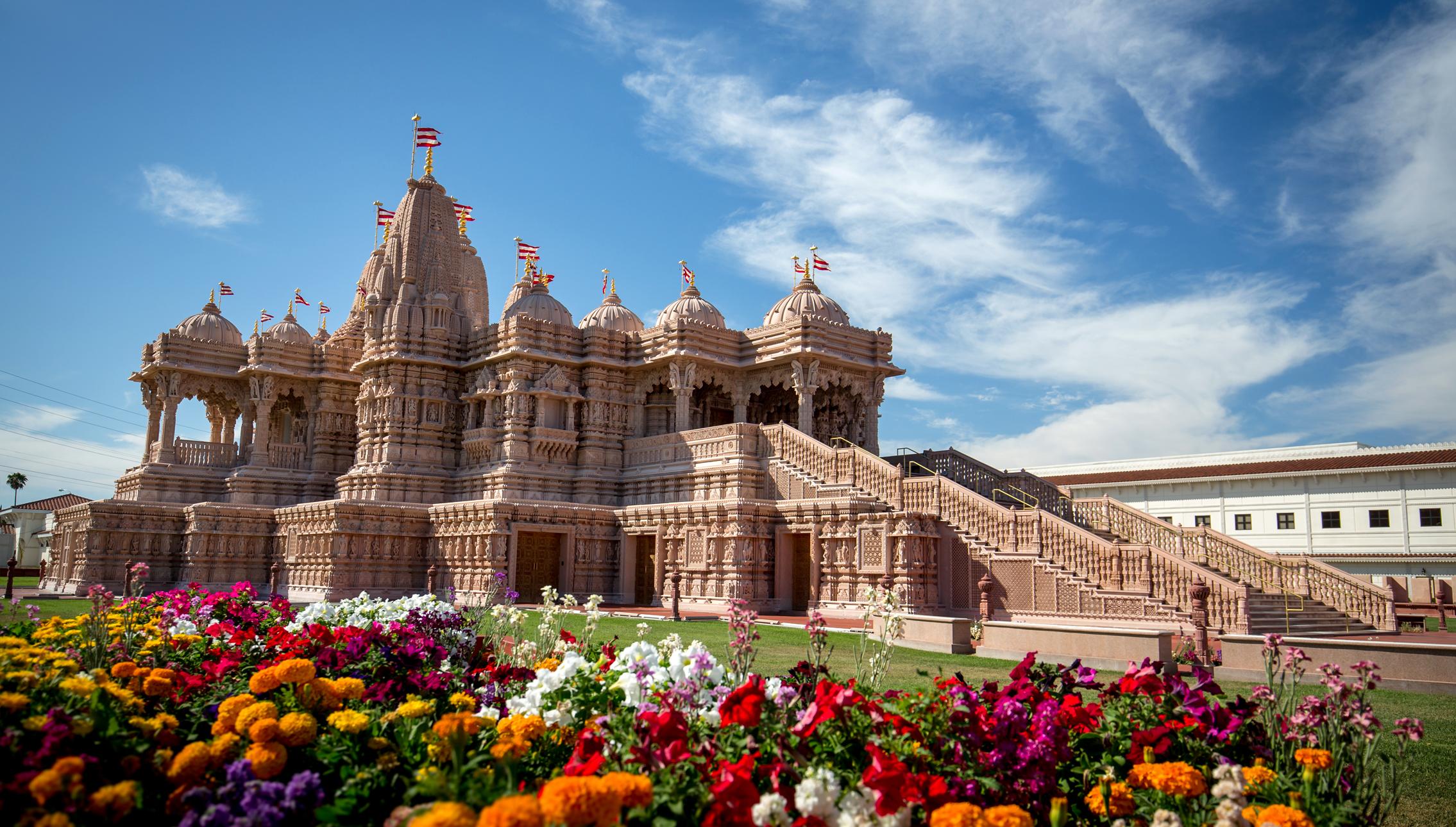 BAPS Shri Swaminarayan Mandir 4bfaeab122