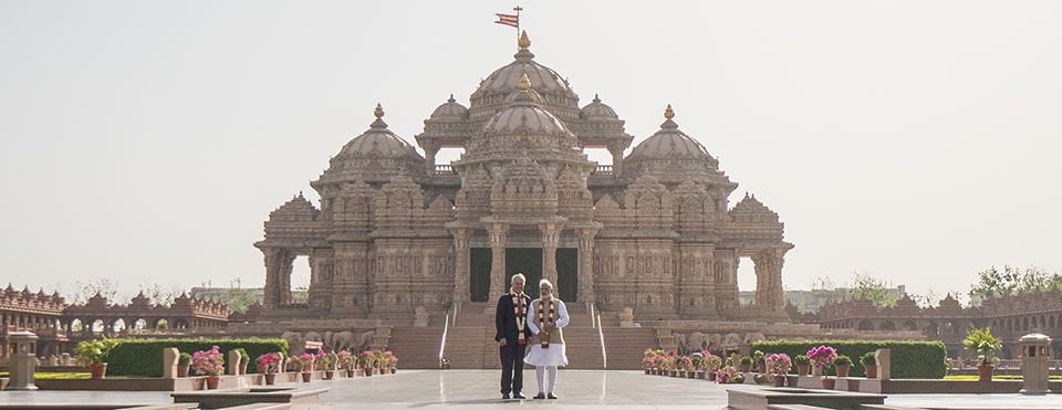 Indian pm narendra modi and australian pm malcolm turnbull visit indian pm narendra modi and australian pm malcolm turnbull visit swaminarayan akshardham thecheapjerseys Gallery